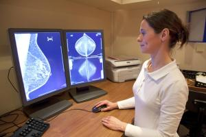 Breast and ovarian cancers: Large study improves estimates of genetic risk